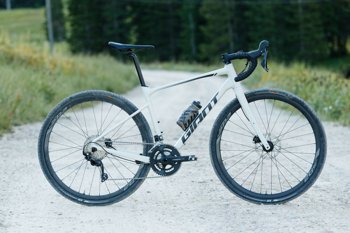 Giant Revolt Alu-Gravel Bike in Action
